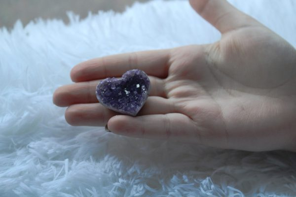 Amethyst 1 inch heart shaped crystal